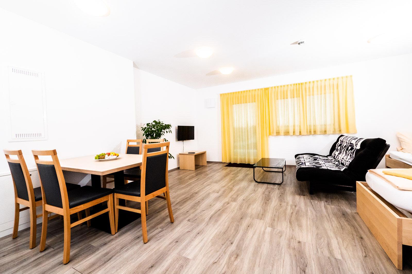 Apartment / Suite 3