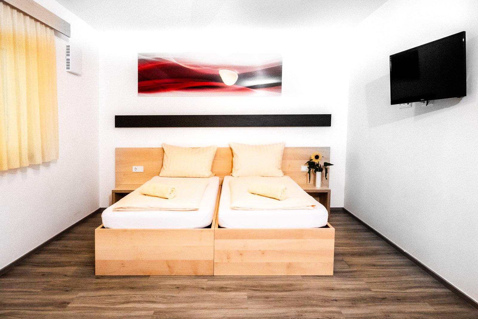 Apartment / Suite 9